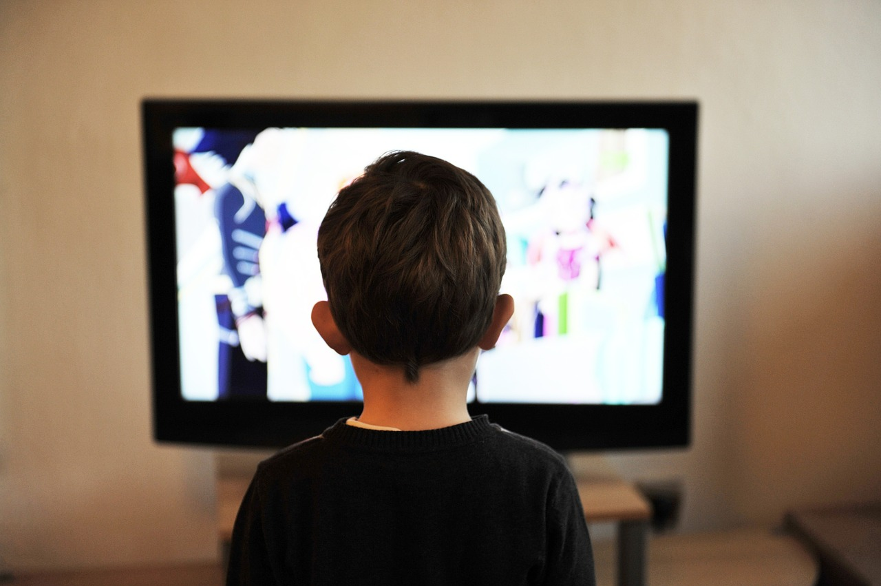 Should we ban kids from online videos?